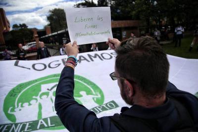 CNE da luz verde a la consulta que busca bajar el sueldo a los congresistas