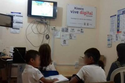 Estudiantes de Santander cumplirán un año sin clases porque no les asignan docente