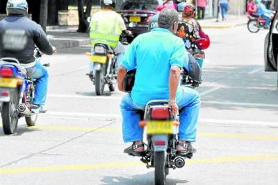Se permitirá parrillero en Bucaramanga, aunque algunas motos se usen para delinquir
