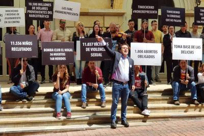 Piden a la Corte Penal Internacional frenar aspiración presidencial de Timochenko