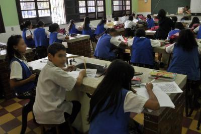 Investigan presunta intoxicación de 120 estudiantes en colegio de Bucaramanga
