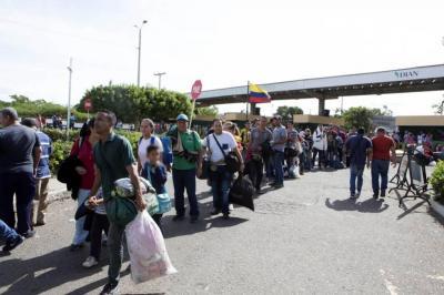 Salieron de Bucaramanga 33 venezolanos rumbo a la frontera
