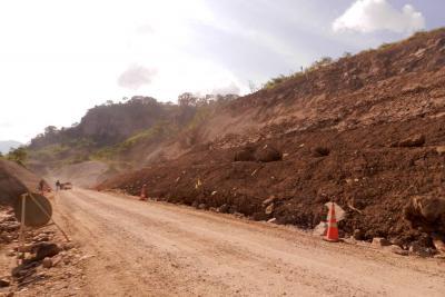 Paso entre Bucaramanga y Barrancabermeja se cierra a las 4:00 pm