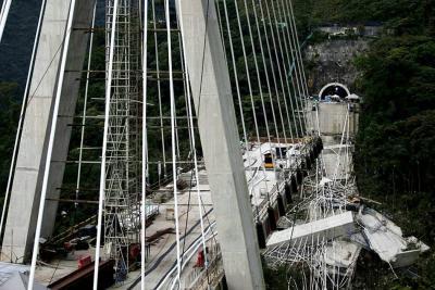 Fallas en el diseño del puente Chirajara ocasionaron su colapso: Mintransporte