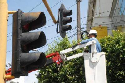 Modernización semafórica, a punto de ver la luz verde
