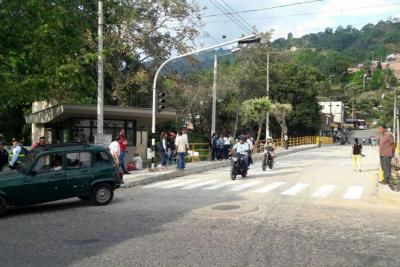 Puente vehicular entre Villaluz y El Carmen ya está en servicio