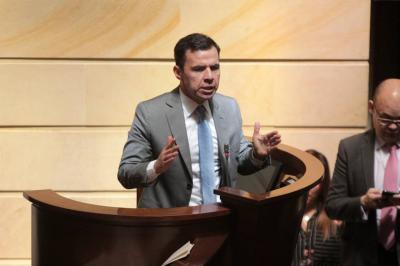 Gobierno girará dineros para campaña de las Farc