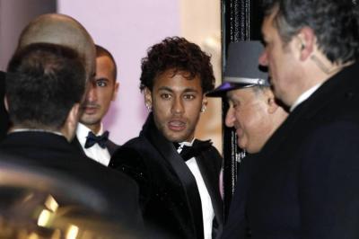 Maluma le cantó el cumpleaños a Neymar