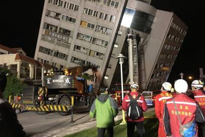 Más de un centenar de personas atrapadas en edificios por terremoto en Taiwán