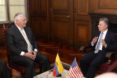 Santos pide a Secretario de Estado de E.E.U.U restaurar la democracia en Venezuela