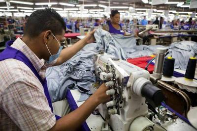 Comercio y manufactura impulsan empleo en Santander