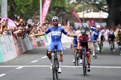 Fernando Gaviria se hizo con la victoria en Palmira