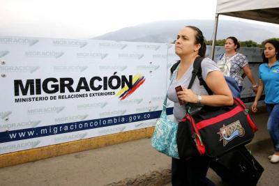 Venezolanos solo podrán entrar a Colombia con pasaporte
