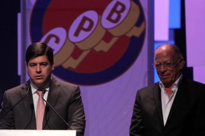 CPB entregó medalla Enrique Santos Castillo a Vanguardia Liberal por su aporte al periodismo