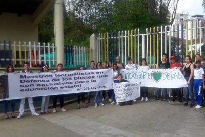 Estudiantes de la Escuela Normal de Bucaramanga protestan por construcción de Intercambiador