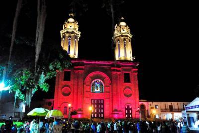 Essa entregó iluminación del templo de Puente Nacional
