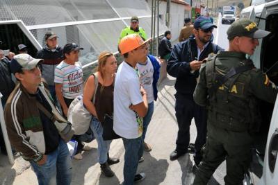 Primer día de control a venezolanos en Santander: trasladadas 50 personas
