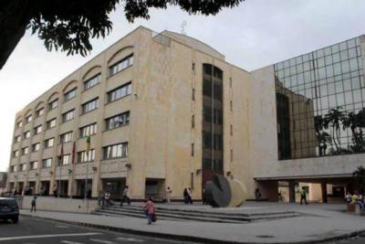 Demandan decreto que redujo presupuesto de la Contraloría