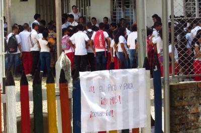 Por falta de docentes, estudian con 'pico y placa' en Santander