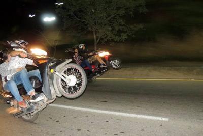 Maniobras peligrosas en moto en Bucaramanga: impusieron 73 multas en 2017