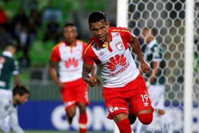 Santa Fe venció 2-1 de visitante al Wanderers en la Copa Libertadores