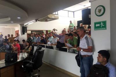 Contribuyentes de Floridablanca mantuvieron acalorado debate en el Concejo