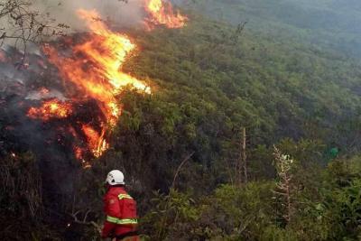 Incendio de tres días consumió patrimonio histórico de Santander