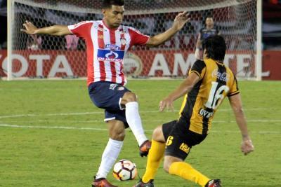 Con gol de Yimmi Chará, Júnior le ganó a Guaraní en la Libertadores