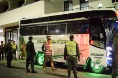 28 venezolanos ilegales fueron deportados del Socorro