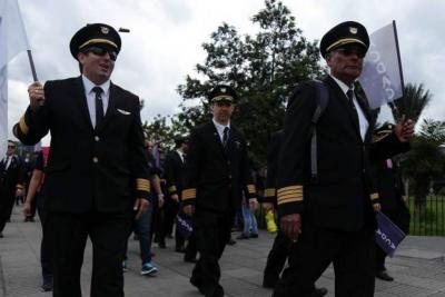 Pilotos que estuvieron en paro demandarán a la Nación por $83.500 millones