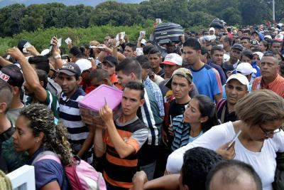 Deportan a 102 venezolanos que no tenían documentación para estar en Colombia