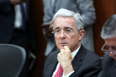 Uribe radica recurso de reposición en contra de Iván Cepeda