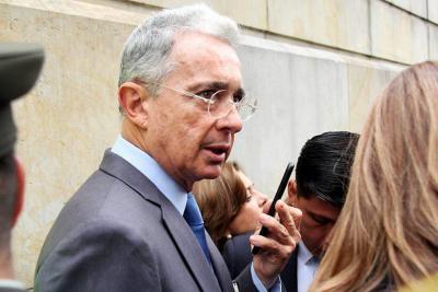 Uribe insiste en que Cepeda buscó falsos testigos para relacionarlo con paramilitares