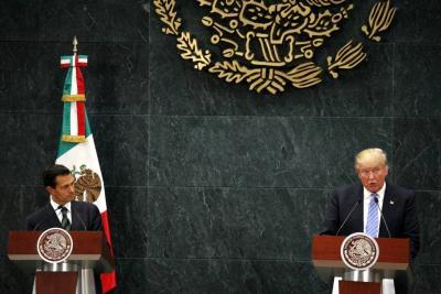 Discusión por el muro frustra visita de Peña Nieto a EE.UU.