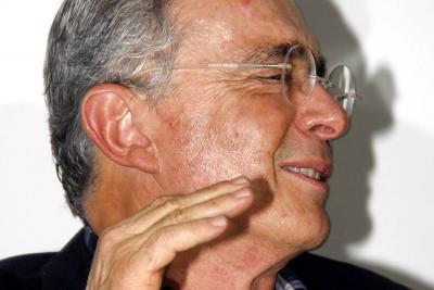 """Uribe le responde a Presidente Santos por el """"consejo"""" que le dio"""