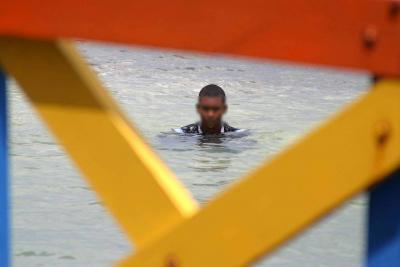 Joven se ahogó en el mar luego de ser perseguido por presuntamente atracar a taxista