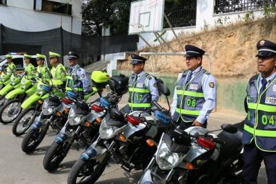 Cuatro motos y una camioneta llegaron a la Policía de Tránsito