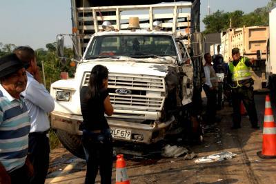 Carrotanque ocasionó grave accidente en vía a Barrancabermeja