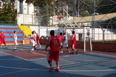 Incer, líder en el Torneo Unibasvet de baloncesto