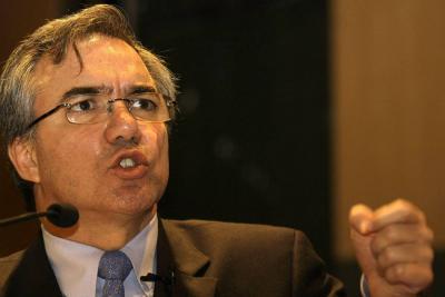 El exministro de salud de Álvaro Uribe, Diego Palacio, quedó en libertad
