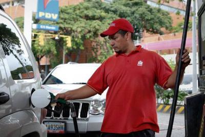 Porcentaje de alcohol en la gasolina será elevado a 10% a partir de hoy