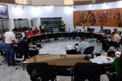 Esto es lo que ocurre cuando los concejales de Bucaramanga 'madrugan' a trabajar