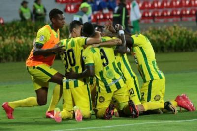 Atlético Bucaramanga venció 1-0 al Santa Fe y logró su segundo triunfo consecutivo