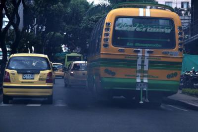 Multarán con $390.621 los vehículos con altas emisiones de gases en Bucaramanga