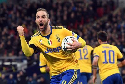 La Juventus dio una lección de madurez al vencer 1-2 al Tottenham en Liga de Campeones