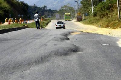 Aprobados recursos para repavimentar tramos viales