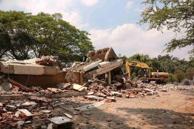 Empezó demolición de las antiguas oficinas del Inpec