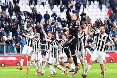 Juventus asumió el liderato en Italia