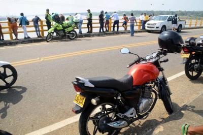 Motociclista se lanzó del puente Gaviria en Barrancabermeja
