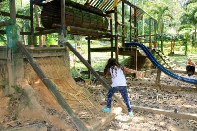 El Parque La Flora lleva meses en mal estado